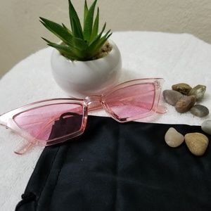 Pink glasses Like the ones Bad Bunny uses
